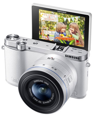 7. Samsung NX3000 Wireless Smart 20.3MP Mirrorless Digital Camera
