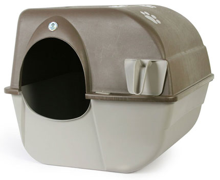 1. Omega Paw Self Cleaning Litter Box